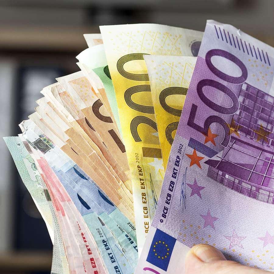 Sofort-Kredit-Vergleich - hier auf www.kreditexperten.com (© Edler von Rabenstein / Fotolia)